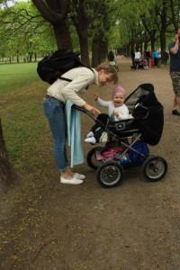 34.Kosetur i Frognerparken. Det er alltid flott med turer ute blant folk i sommersola.